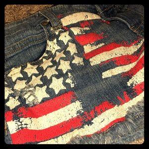 🇺🇸PATRIOTIC🇺🇸 Altar'd State sz 27 Flag Shorts